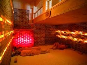 Phòng đá muối Himalaya - chữa các bệnh mãn tính/ Himalayan Salt Room - healing chronic diseases
